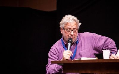 Momentum chief Jon Lansman speaking at Limmud  (Photo Credit: Eli Gaventa)