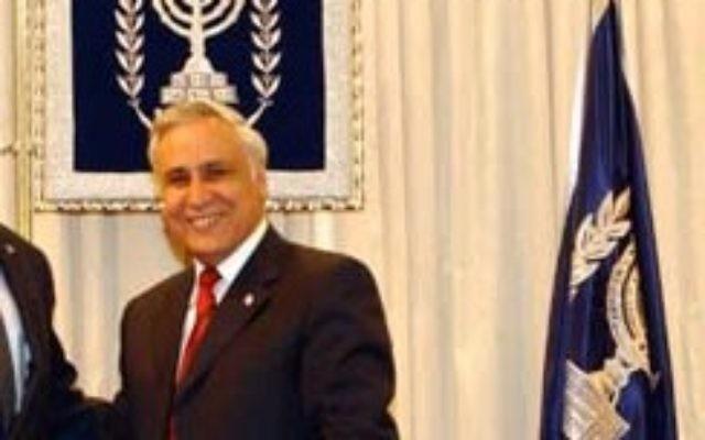 Former head of the UN Colin Powell_ with Moshe Katsav