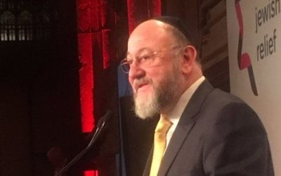 Chief Rabbi Ephraim Mirvis addressing World Jewish Releif's annual dinner