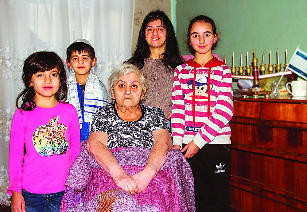The Sepiashvili family (l to r, Natia, 6, Nikoloz, 9, Natela, 66, Mariam, 13, and Nino in Tblisi, Georgia) - World Jewish Relief