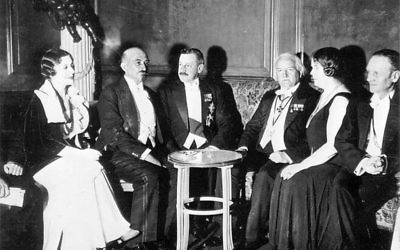 Belarus-born Chaim Weizmann (second left) hated Manchester when he first arrived