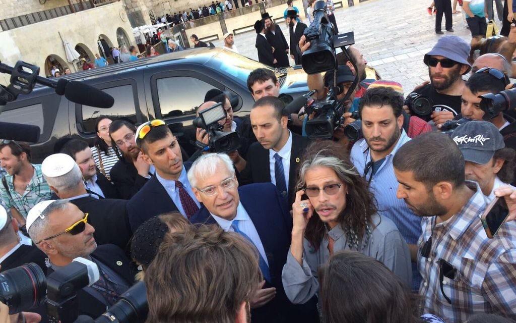Steven Tyler and David Friedman meet at the Western Wall