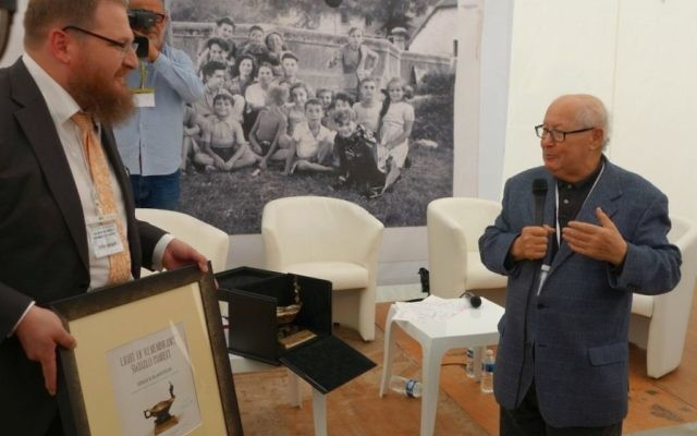 """Serge Klarsfeld was awarded the highest recognition of the Auschwitz Museum's - """"Light of Remembrance"""". Source: @AuschwitzMuseum  on Twitter"""