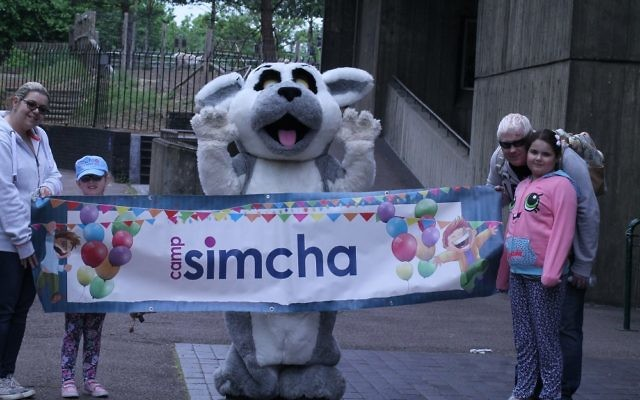 Camp Simcha families enjoy London Zoo
