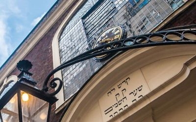 Synagogue membership has dramatically fallen since 1990, though the opposite is the case within the Charedi community