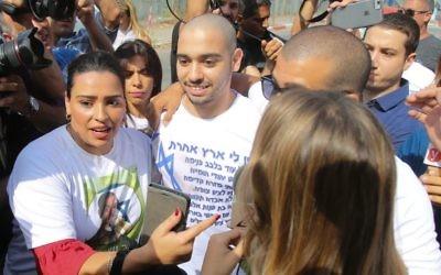 Israeli soldier Elor Azaria (centre) arrives at the Trsifin military prison in Rishon Lezion,  Photo by: Nimrod Glikman-JINIPIX