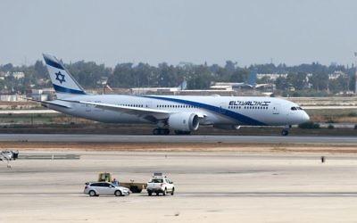 A newEl Al new aircraft, Boeing 787 Dreamliner at Ben Gurion International Airport,  Photo by: Nimrod Glikman - JINIPIX