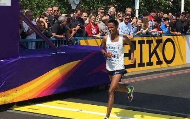 Girmaw Amare was the only Israeli to finish the men's marathon