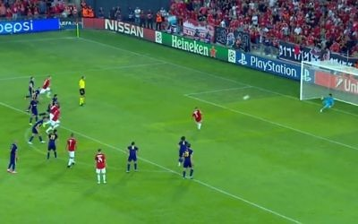 Shir Tzedek converts from the penalty spot to give Hapoel Be'erSheva a 2-1 first leg win