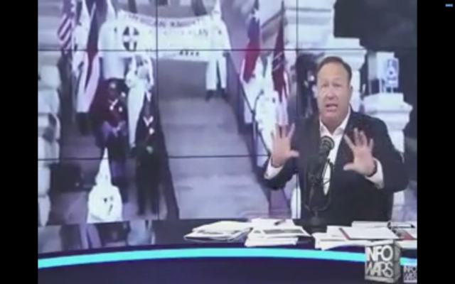Alex Jones claiming Jews were acting as Nazis