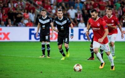 Hapoel Be'erSheva Shir Tzedek converts from the penalty spot
