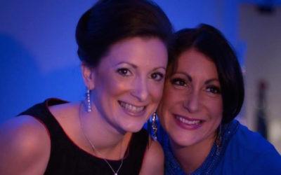 Caron Kemp (left) with sister Suzy Pelta (right)