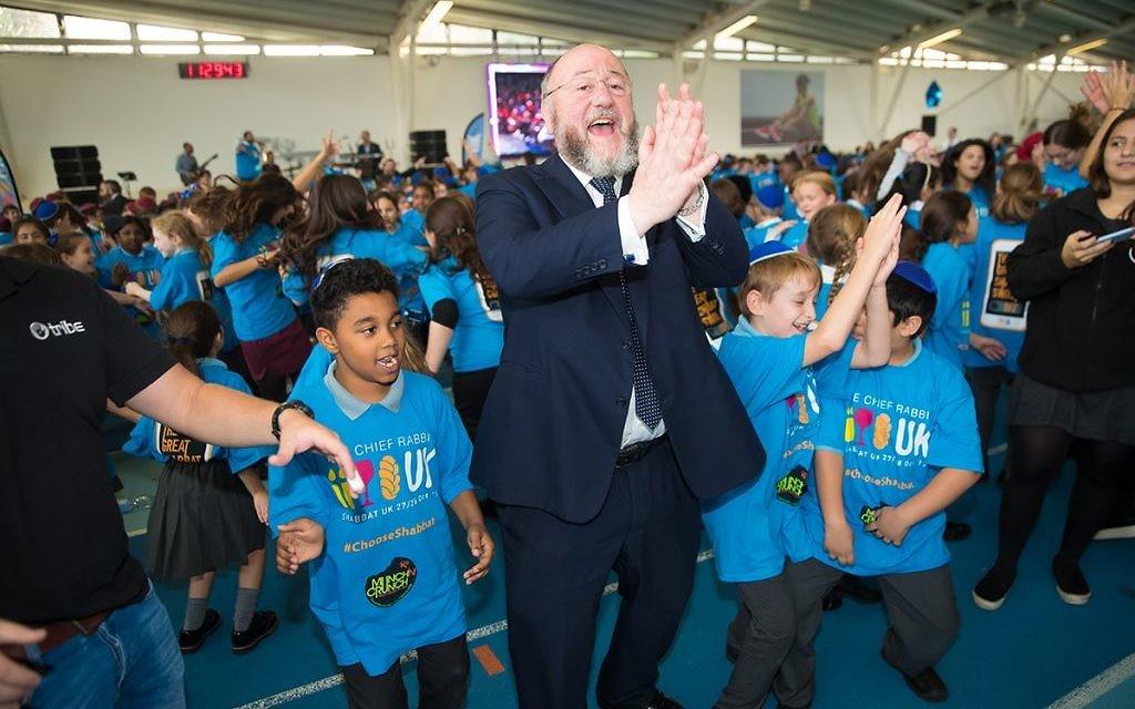 Chief Rabbi Ephraim Mirvis and pupils celebrate ahead of ShabbatUK