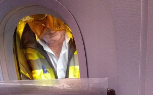 New El Al Dreamliner grounded by cracked window | Jewish News