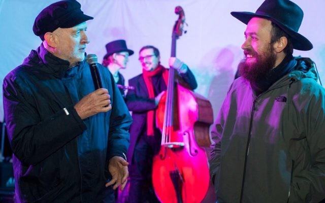 Jeremy Corbyn chatting with rabbi Mendy Korer of Islington Chabad    Photo credit: Jeremy Freedman