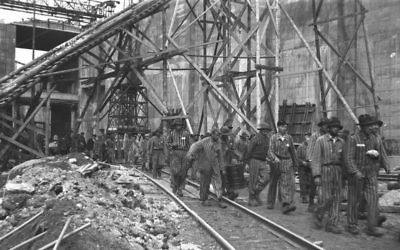 Forced concentration camp labour at U-boat pens in Bremen, 1944