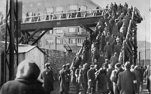 Warsaw Ghetto wall and footbridge over Chłodna Street in 1942