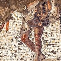 Excavating the mosaic. Photo: Yitzhak Marmelstein, Israel Antiquities Authority