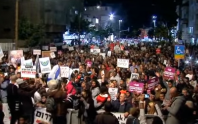 20,000 demonstrators protest in Tel Aviv against the deportation of thousands of asylum seekers   Credit: Screenshot from YouTube