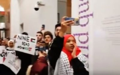 Anti-Israel Kings College protesters demonstrating against former Israeli deputy prime minister, Dan Meridor, who spoke at the university in February   Picture credit: The Pinsker Centre