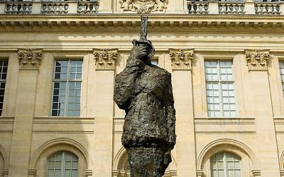 The daunting statue of Dreyfus at the Jewish Museum in Paris