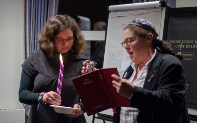 Rabbi Dr Jackie Tabick (right), who is the Beit Din Convenor at the residential weekend for people considering conversion to Judaism in 2016.