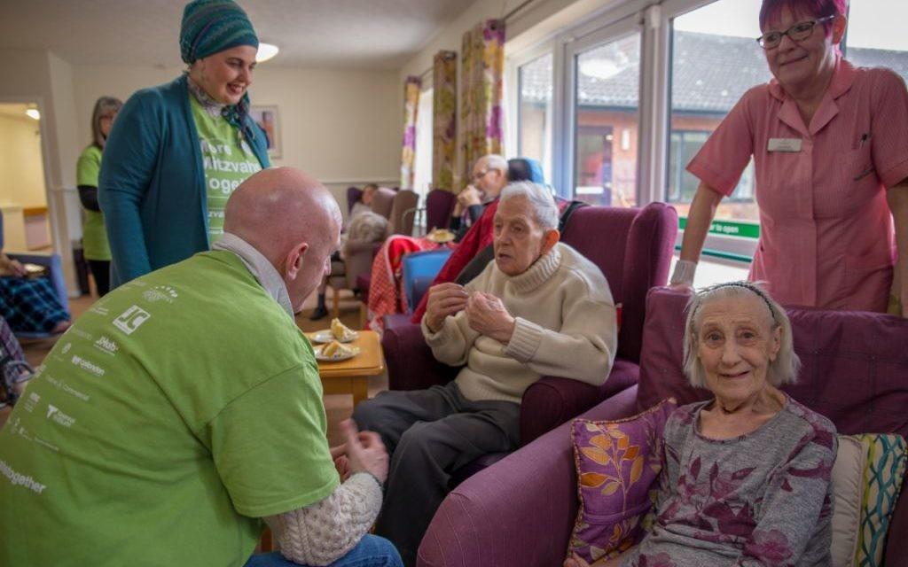Peterborough Liberal Jewish Community and Masjid Khadijah Islamic Centre care home visit 2 - picture by Toqeer Sethi