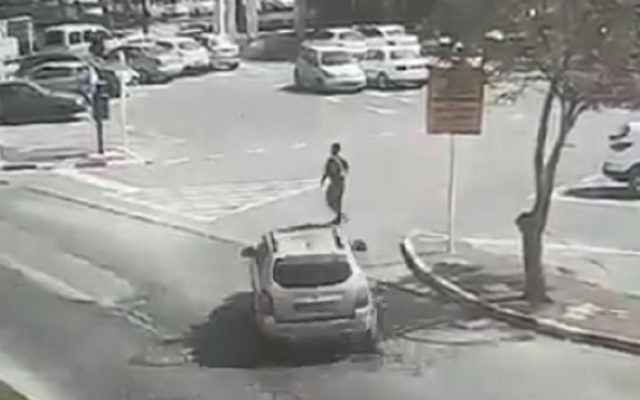The jeep drove straight into a border policeman