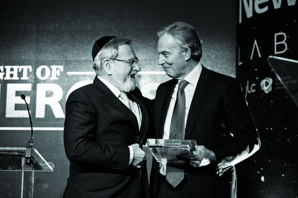 Lord Sacks with Tony Blair at Jewish News' Night of heroes in 2018.