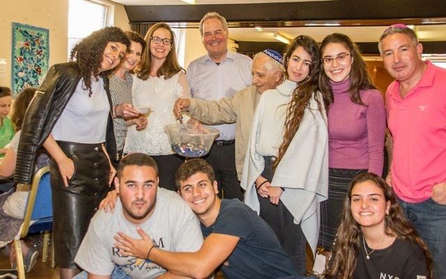 More than 100 volunteers atStanmore and Canons Park Synagogue came together to count 200,000 buttons for B's Buttons