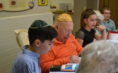 Pupils from Etz Chaun visit residents at Jewish Care;s Clore Manor care home