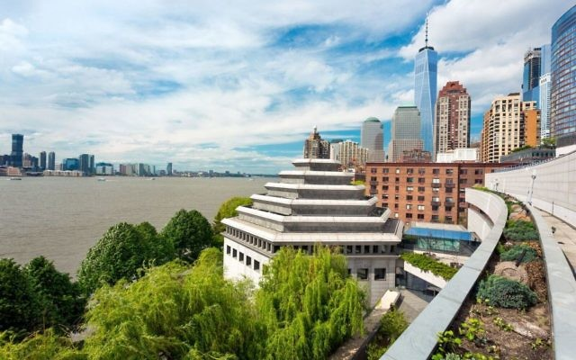 The six-sided Museum of Jewish Heritage