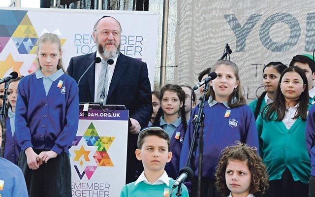 Chief Rabbi Ephraim Mirvis at last year's Yom Hashoah ceremony