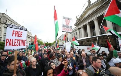 Protesters attend a rally called by the Ireland-Palestine Solidarity Campaign (IPSC) in May 2018   Photo credit: Niall Carson/PA Wire