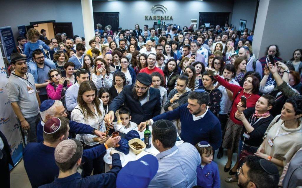 Limmud FSU partipants during a Havdalah ceremony  Credit Eli Itkin