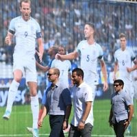 The Duke of Cambridge (left) and footballer Tomer Hemed attend a session at the Equaliser football programme  Photo credit: Joe Giddens/PA Wire