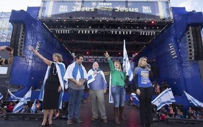 Israel's counsul Dori Goren, center. Picture: courtesy of Israel's consulate in Sao Paulo