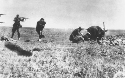 Executions of Jews by German army mobile killing units (Einsatzgruppen) near Ivangorod Ukraine.