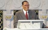 Louis Farrakhan giving a sermon
