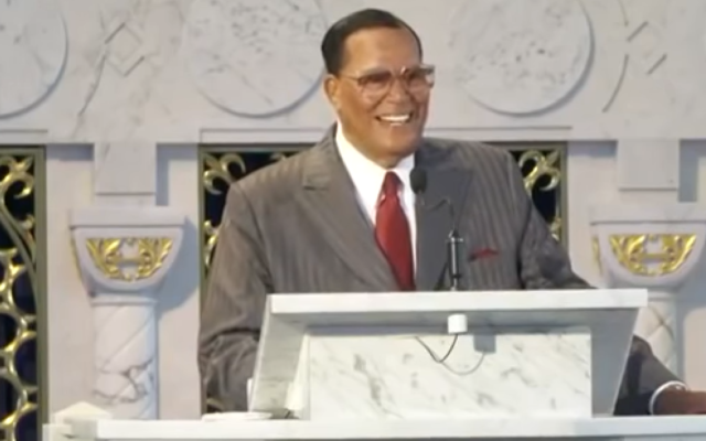 Louis Farrakhan giving a sermon