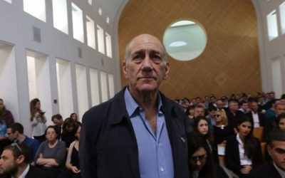 Olmert in court in 2015