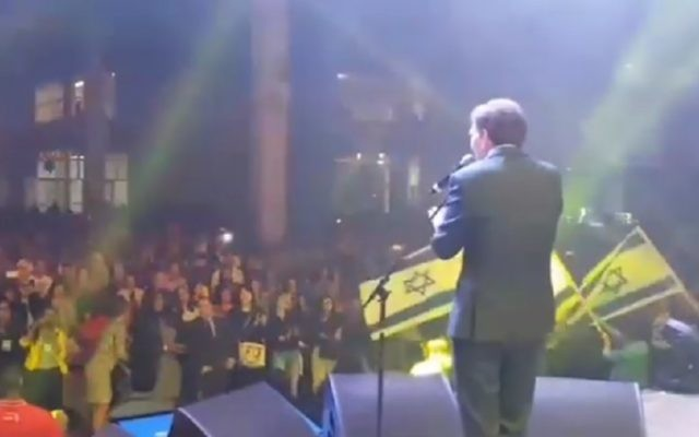 Rio Mayor Marcelo Crivella sang to raise funds for the construction of the city's Holocaust memorial