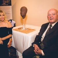 Frances Segelman with Sir Ben Helfgott after having sculpted him  Credit: Yad Vashem UK