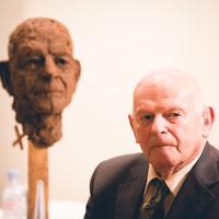 Sir Ben Helfgott with his sculpture   Credit: Yad Vashem UK
