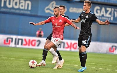Hapoel Be'erSheva's Ben Sahar had a frustrating night in Zagreb