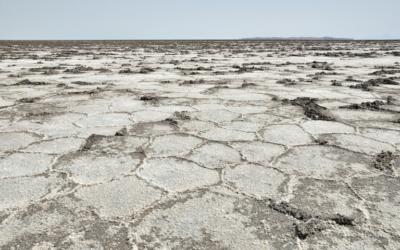The effects of drought seen at Namak Lake, Iran, April 19, 2013. (Hansueli Krapf/Wikimedia Commons)