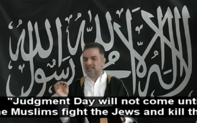 Mundhir Abdallah from Masjid Al-Faruq Mosque in Copenhagen delivering his sermon