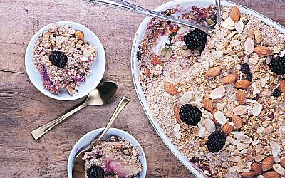 Crunchy nut apple crumble with blackberry