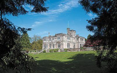 Hampton Manor was once the home of Sir Robert Peel