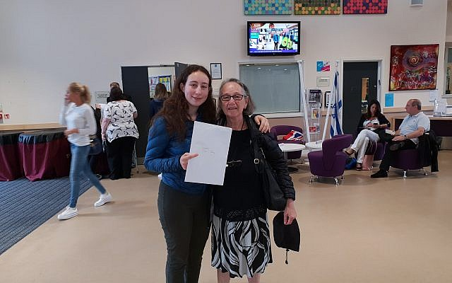 Noa Marson of JCoSS got A*A*A A and is going to Cambridge University to study Natural Sciences